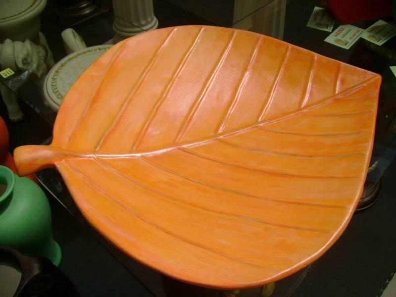 Flat leaf platter R270